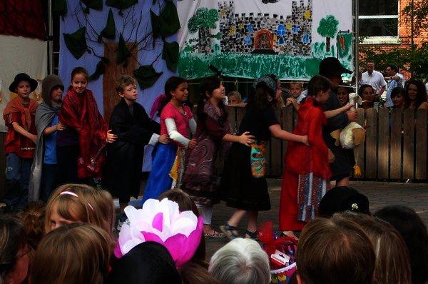 Theateraufführung in der Bürgerstraße