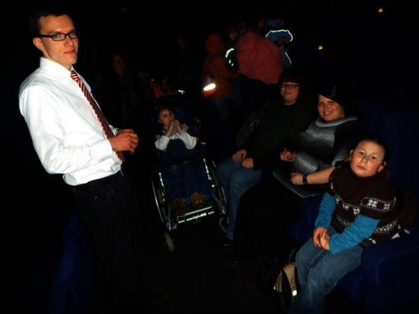 Klasse 2a im Kino